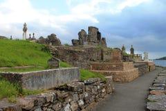 Kirchenruine und -kirchhof von Donegal Stockbilder
