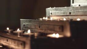 Kirchentabelle f?r Kerzen stock video