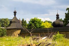 Kirchenwand in der Slowakei Liptovske Matiasovce Stockfotografie