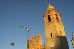 Kirchenwiederherstellung bearbeitet San Ginesio stockbilder