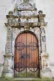 Kirchetür in Bergen lizenzfreies stockfoto