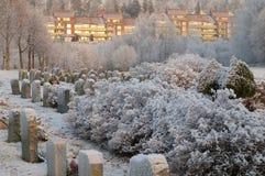 Kirchhof im Winter stockbilder