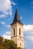 Kirchturm der Kirche unseres Dame Na NÃ ¡ mÄ› Ti in KutnÃ-¡ Hora Stockfotografie
