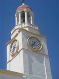 Kirchturm mit Borduhr, Griechenland Stockfotografie
