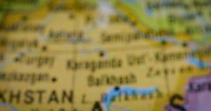 Kirgizistanlandsöversikt på världskartan stock video