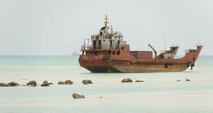 Kiribati schipbreuk en rotsen royalty-vrije stock foto's