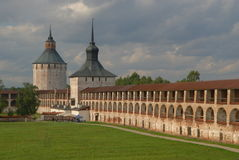 Kirillov的老修道院 免版税库存照片