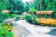 Kirirom park narodowy lokalizować w Kompong spue gubernialny królestwo Kambodża piękna góra i siklawa Fotografia Stock