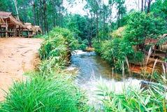 Kirirom park narodowy lokalizować w Kompong spue gubernialny królestwo Kambodża piękna góra i siklawa Zdjęcie Royalty Free
