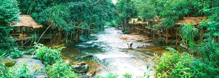 Kirirom park narodowy lokalizować w Kompong spue gubernialny królestwo Kambodża piękna góra i siklawa Obraz Royalty Free