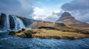 Kirjufellsfosswaterval in IJsland Royalty-vrije Stock Foto's