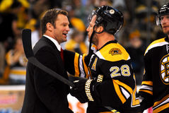 Kirk Muller and Mark Recchi shake hands Royalty Free Stock Image