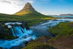 Kirkjufell berg, Snaefellsnes halvö, Island arkivbilder