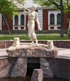 Kirovograd, Ukraine 2 mai - 2016 Statue Natalka Poltavka Fille avec un joug images libres de droits