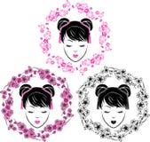 Kirschblüte-Kranz und asiatisches Mädchenporträt Stockbild