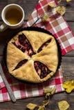 Kirsche und Apfelkuchen Stockfotografie