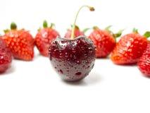 Kirsche und Erdbeeren Stockbild