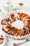 Kirsche und Schokolade geflochtener Kranz stockbilder
