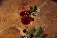 Kirsche und Wein Stockfotografie