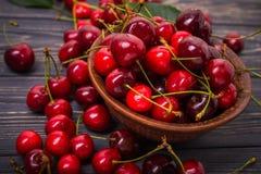 Kirschfrucht in der Schüssel Lizenzfreie Stockfotos