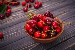 Kirschfrucht in der Schüssel Lizenzfreie Stockbilder