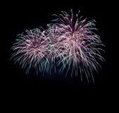 Kirschschokoladenkuchen, verschiedene Arten des Nachtischs und des Gebäcks, Feuerwerke am neuen Jahr und abstrakter Feiertagshint stockfotografie