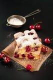Kirschschwammkuchen Stockfotografie