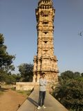 Kirti di visita turistico Stambha in Chittorgarh fotografia stock libera da diritti
