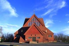 Kiruna Church en été avec le ciel bleu, Suède du nord Image stock