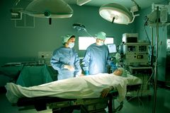 kirurgar Fotografering för Bildbyråer