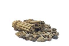 Kiselstenar och bambu Royaltyfri Fotografi