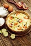 Kish mit Garnele und Zucchini Lizenzfreies Stockbild