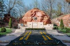 Kislovodsk, región de Stavropolsky, Rusia - 10 de abril de 2018: Monumento a Lenin en el parque de Kislovodsk imágenes de archivo libres de regalías