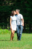 Kissing beautiful couple Royalty Free Stock Photography