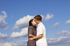 Kissing teenage couple Royalty Free Stock Photo