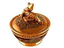 Kisten voor juwelen van natuurlijke steen en gouden-plat-gouden Stock Foto