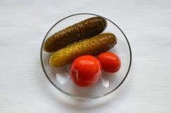 kiszeni ogórków pomidory zdjęcia stock