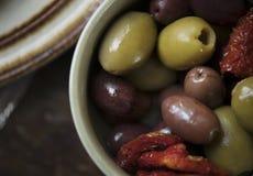 Kiszonych oliwek fotografii przepisu karmowy pomysł fotografia stock