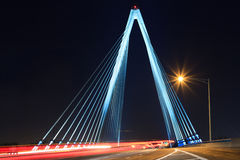 Kit Bond Bridge com tráfego Fotos de Stock Royalty Free