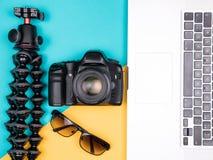 Kit de blogger de voyageur pour des vacances d'été Images stock