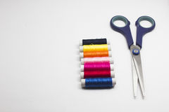Kit de couture sur le fond blanc Photographie stock