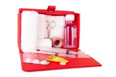 Kit de premiers secours sur un fond blanc Images libres de droits