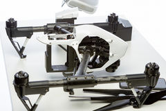 Kit de Quadrocopter sur la table Photo stock