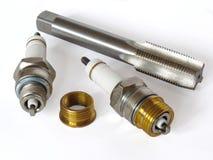 Kit de réparation au puits de bougie d'allumage Images stock