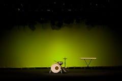Kit de tambour sur l'étape Photographie stock libre de droits