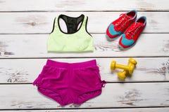 Kit des sports des femmes pour la forme physique Photos libres de droits