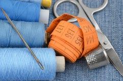 Kit et jeans de couture Photos stock