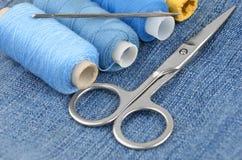 Kit et jeans de couture Photo libre de droits