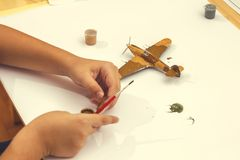 Kit modèle en plastique de peinture de l'avion 2 des avions ww2 Photo libre de droits