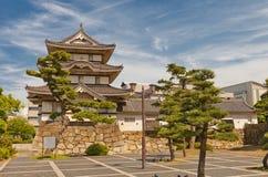 Kitanomaru Tsukimi torn (1676) av den Takamatsu slotten, Japan Royaltyfri Bild